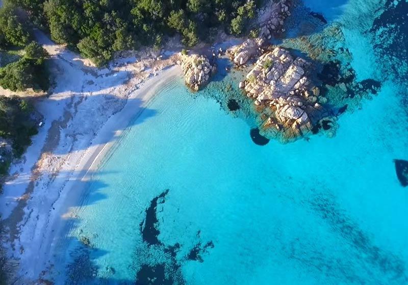 Ripresa aerea della costa della Sardegna